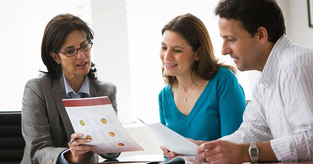 How Financial Advisors Can Help Couples Determine Spending Discretion